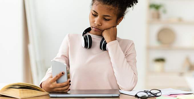 Como deixar de procrastinar? 4 mudanças para implantar no seu cotidiano